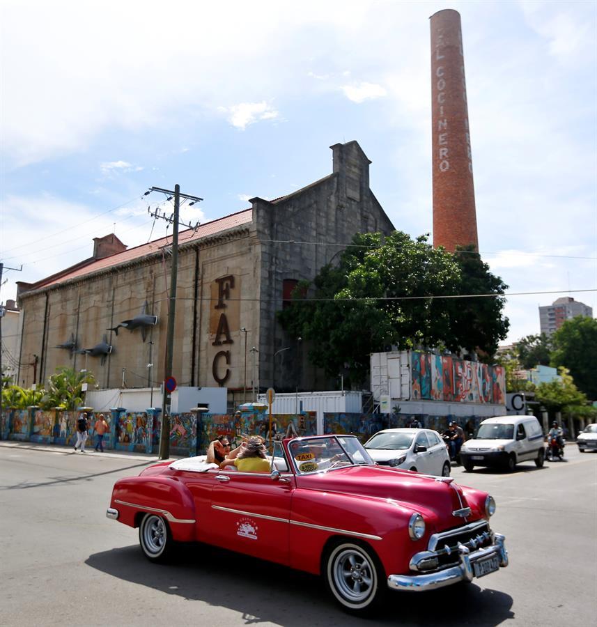 La Fábrica de Arte Cubano (FAC), de nave en ruinas a destino cultural mundial - Fabrica de Arte Cubano (FAC), en La Habana (Cuba). EFE/ Ernesto Mastrascusa