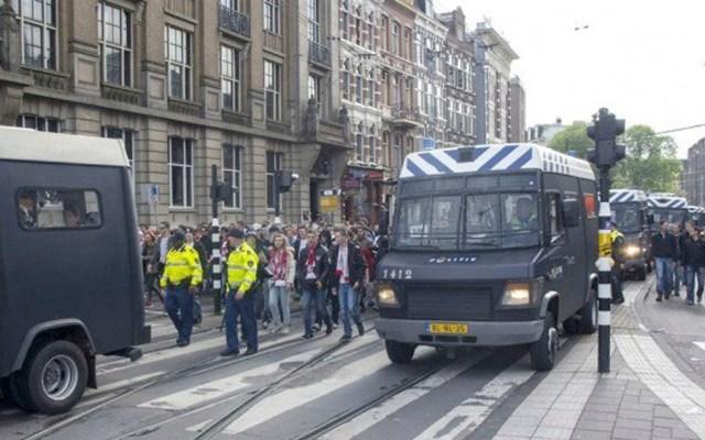 Detienen a aficionados del Lille por desórdenes públicos en Holanda - aficionados lille