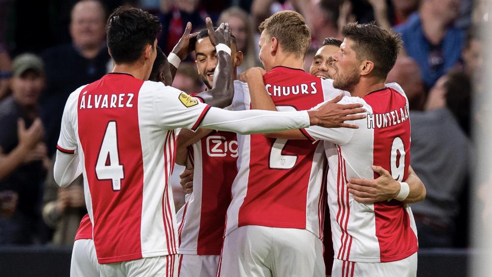 Ajax golea a Heerenveen con Edson Álvarez de titular - Foto de @AFCAjax