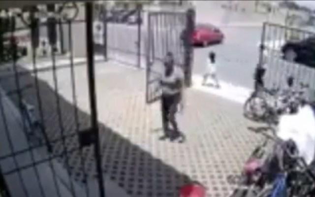 #Video Mujer atropella a niña de seis años en Tecámac - Atropello de Regina en Tecámac, Edomex. Captura de pantalla