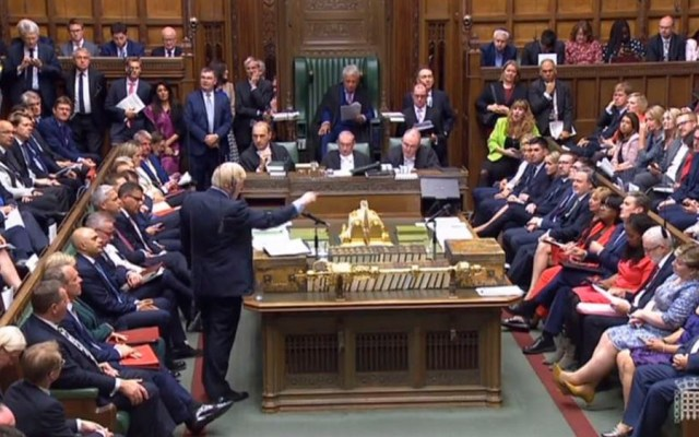 Boris Johnson pierde mayoría en el Parlamento - Boris Johnson parlamento