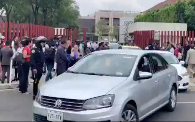 Desalojan la Cámara de Diputados por integrantes de la CNTE - Cámara de Diputados desalojo negociación