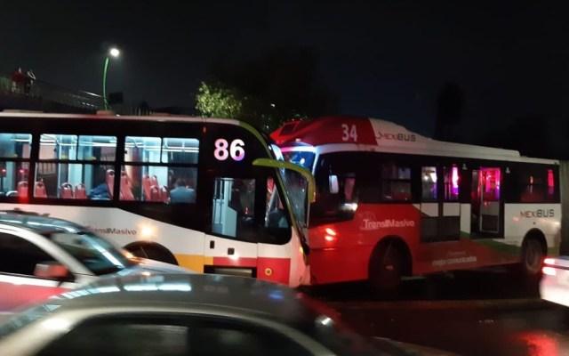 Choque de dos unidades del Mexibús deja 23 heridos en Ecatepec - Choque de dos unidades del Mexibús. Foto de @CoordinacionDM