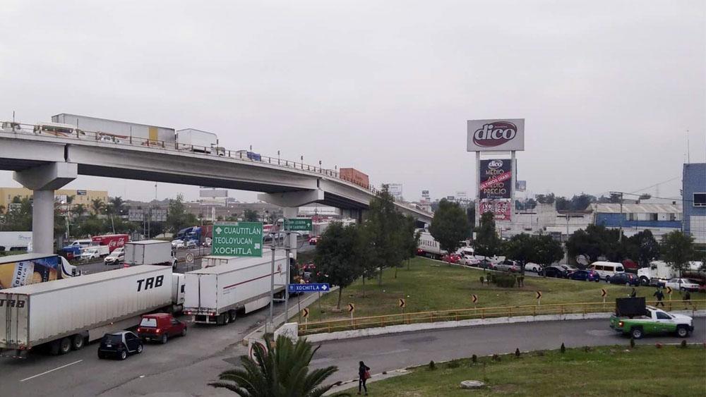 Accidente provoca caos vial en la México-Querétaro - Accidente provoca caos vial en la México-Querétaro
