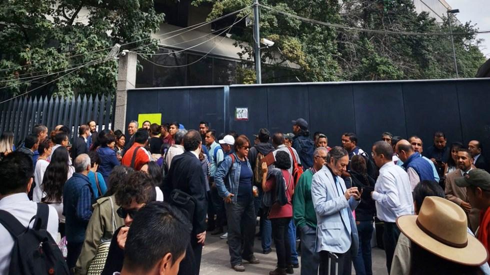 Integrantes de la CNTE bloquean Avenida Universidad - cnte avenida universidad