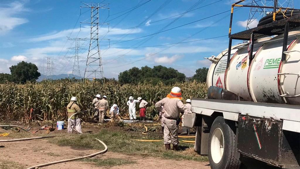 Suma Pemex 2 mil mdp en pérdidas por robo de combustible - controlan de manera parcial fuga de combustible en acolman