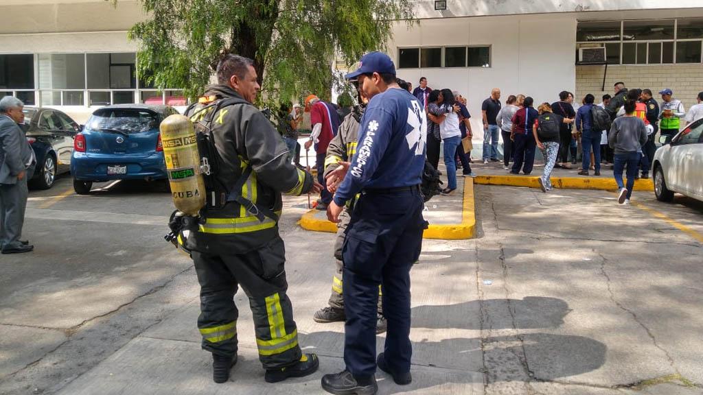 Evacuan Escuela de Medicina del IPN por derrame de químico - Derrame de Químico IPN Escuela Superior de Medicina