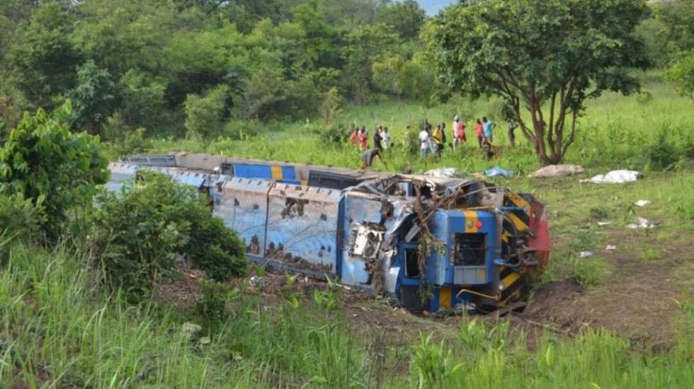 Descarrilamiento de tren deja al menos 50 muertos en el Congo - Descarrilamiento de tren en la República Democrática del Congo. Foto de VOA / Narval Mabila