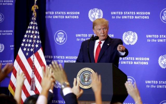 Denunciante de Inteligencia acusa a Trump de querer interferir en elecciones - Foto de EFE.