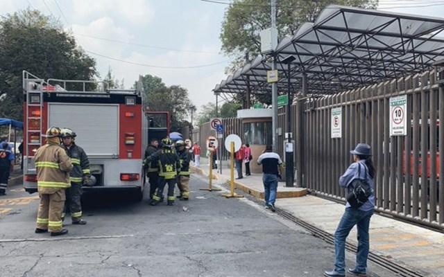 Falsa alarma por fuga de gas en hospital de Pemex - Foto de @MrElDiablo8