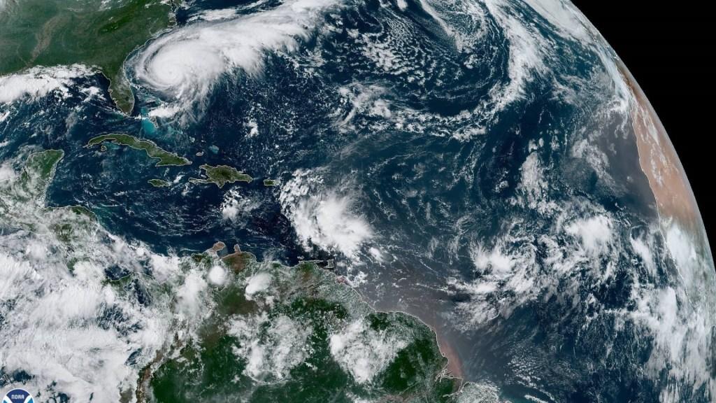 Piden a población de Bermudas prepararse ante posible impacto de Humberto - Humberto huracán NHC