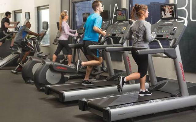 ¿Por qué los dueños de gimnasios deben ofrecer entretenimiento físico?