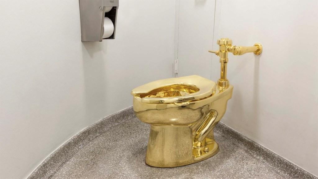 Roban inodoro de oro sólido de mansión de Winston Churchill - inodoro de oro winston churchill