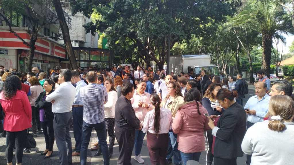 Millones participan en el Macrosimulacro en México. Noticias en tiempo real