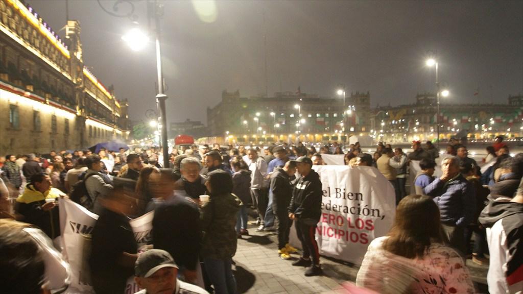 Alcaldes de Edomex se manifiestan en Palacio Nacional - manifestación de alcaldes palacio nacional