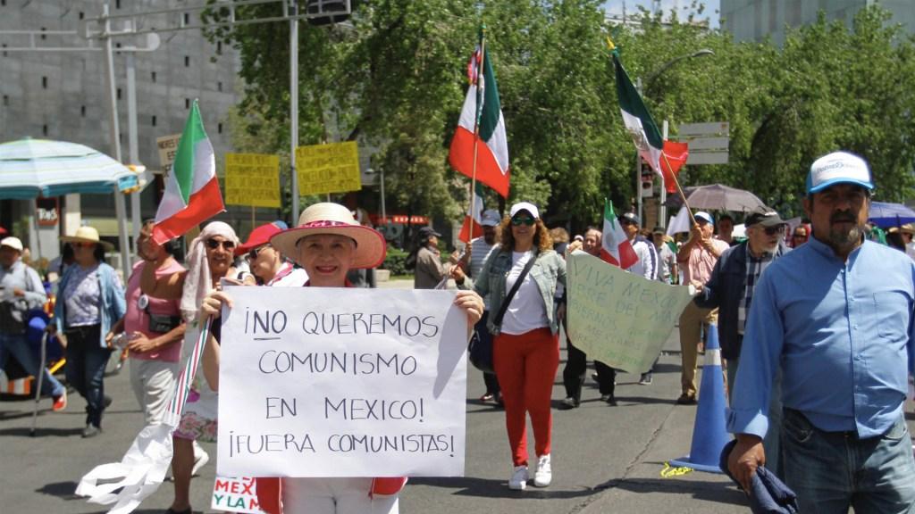Ciudadanos marchan contra López Obrador en varias partes de México. Noticias en tiempo real