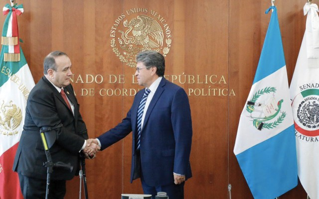 Ricardo Monreal recibió al presidente electo de Guatemala, Alejandro Giammattei, en el Senado - Foto de Twitter Ricardo Monreal