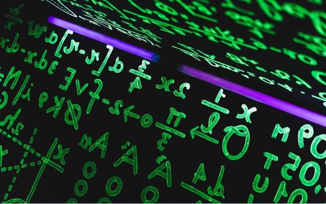 Solucionan difícil ecuación relacionada al número 42 - Museo Nacional del Cine de Turín, Italia. Foto de John Moeses Bauan / Unsplash