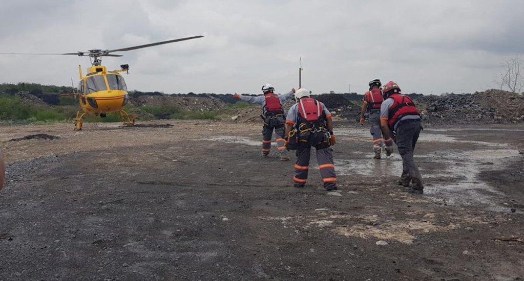 Hallan cuerpo de hombre arrastrado por la corriente de río en Nuevo León - Labores de Protección Civil de Nuevo León. Foto de @PC_NuevoLeon