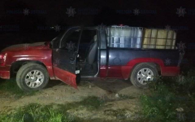 Abandonan dos camionetas con 3 mil litros de gasolina robada en Edomex - Gasolina robada en Otumba
