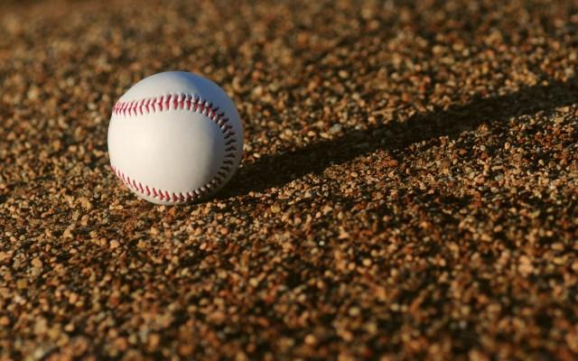 SEP deberá informar cómo gastó 378 mdp en promoción del béisbol - Pelota de béisbol. Foto de Ben Hershey / Unsplash