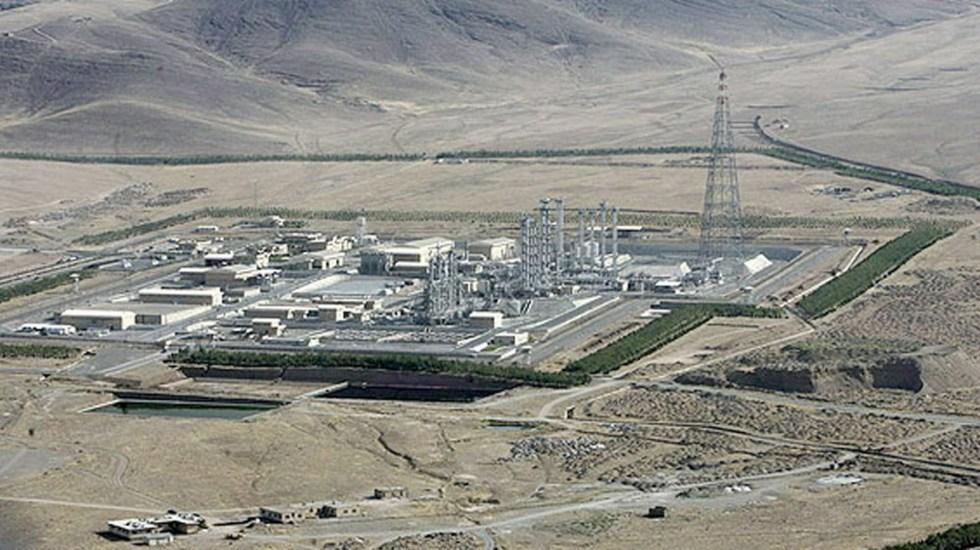 Mike Pompeo convoca a detener extorsión nuclear de Irán - Fotografía aérea de la planta en la zona de Arak, al suroeste de Teherán. Foto de EFE