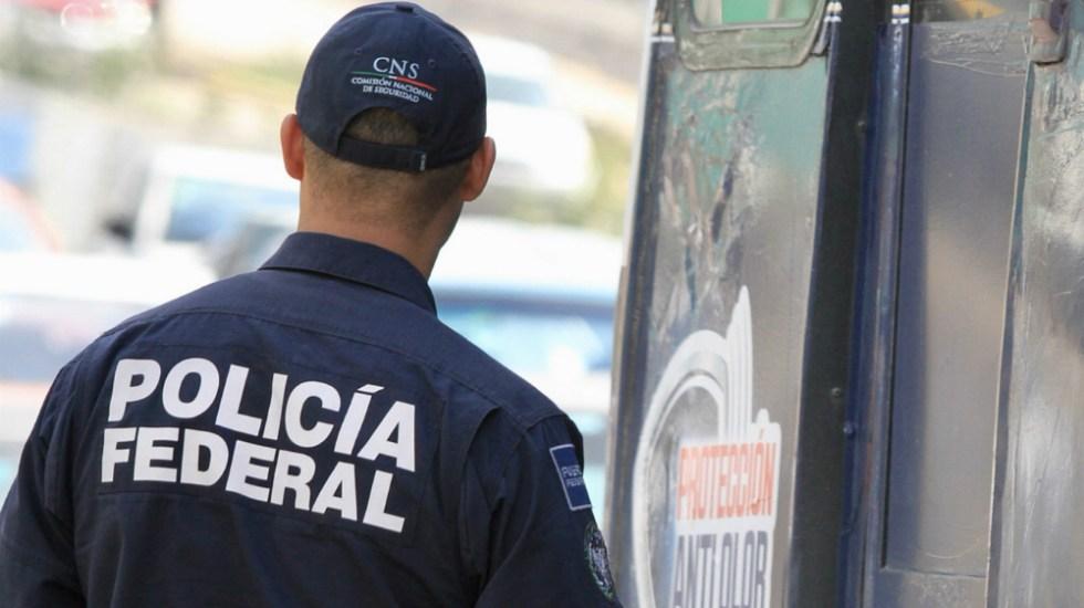 Policías federales detenidos en Querétaro traían droga con iniciales del CJNG - Foto de Notimex