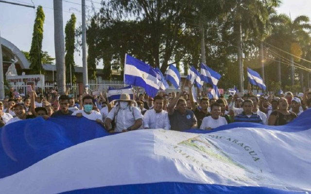 Civiles armados roban y amenazan a periodista en Nicaragua - Protestas en Nicaragua. Foto de EFE