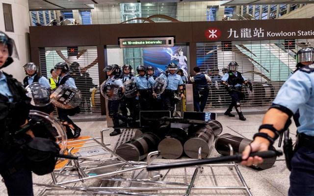 Policías y manifestantes vuelven a enfrentarse en Hong Kong - chocan policías y manifestantes en nuevas protestas en hong kong