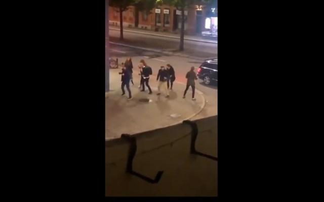 #Video Suecia en tendencias por gente bailando ABBA en la calle - Suecia baile ABBA