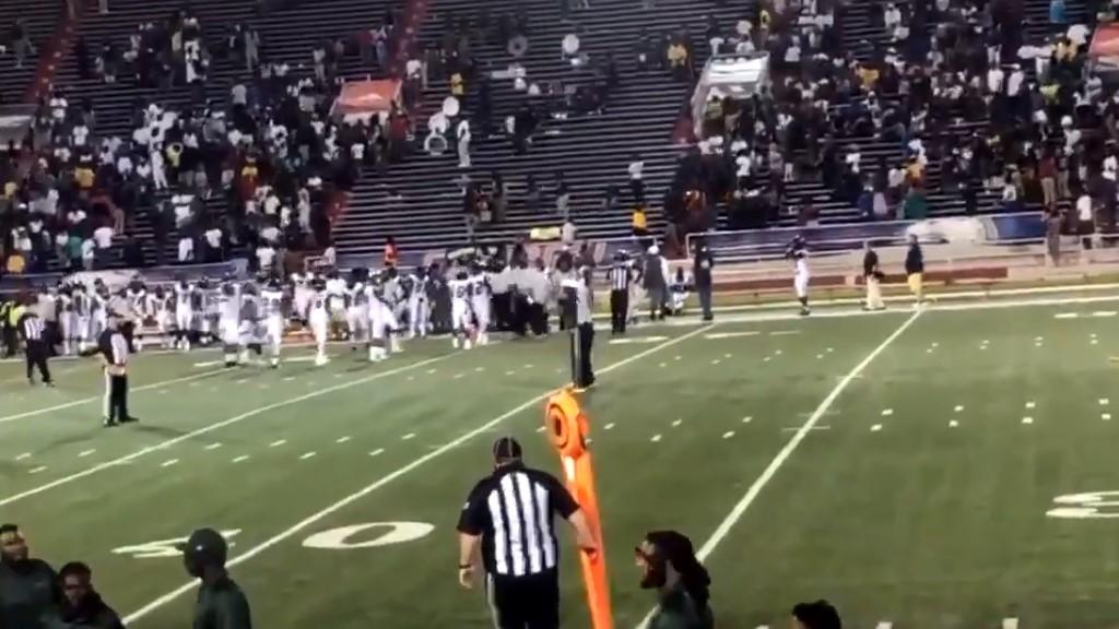 #Video Tiroteo durante juego de futbol americano deja 10 lesionados - Captura de pantalla