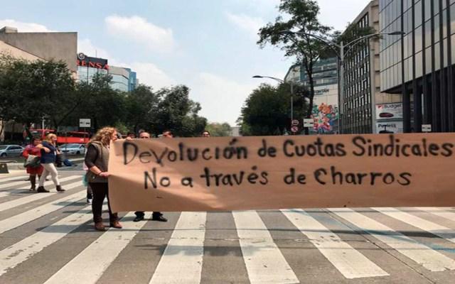 Trabajadores del INBA bloquean Paseo de la Reforma - trabajadores del inba bloqueo paseo de la reforma
