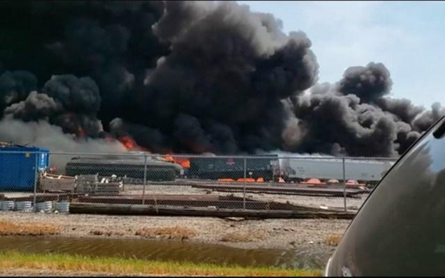 Tren descarrila y se incendia en Illinois - Tren descarrila y se incendia en Illinois. Foto de KSDK