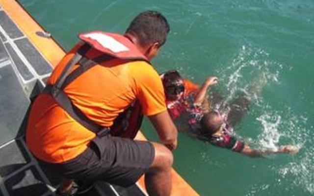 Marina rescata a tres pescadores en Guaymas, Sonora