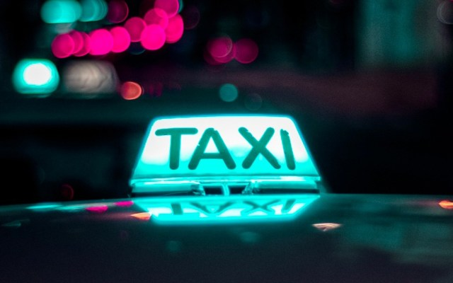 Los chilangos se sienten más protegidos en transportes de apps que en taxis - Photo by Daniel Monteiro on Unsplash