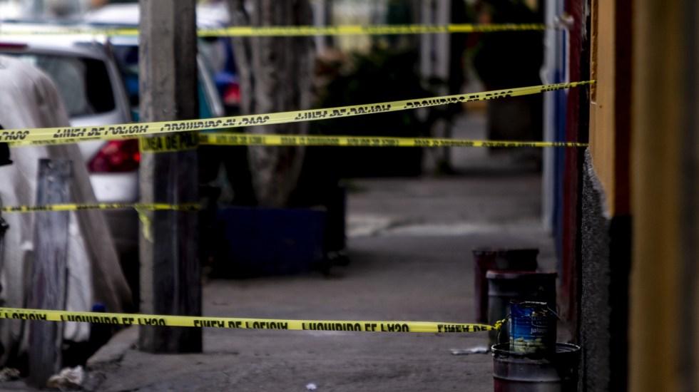 Asesinaron en México a 17 mil 123 personas durante primer semestre de 2020 - Escena del crimen acordonada en la alcaldía Iztapalapa. Foto de Notimex
