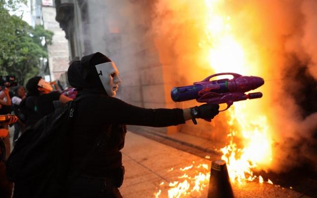CCE pide defender a ciudadanos y no a encapuchados - Foto de EFE