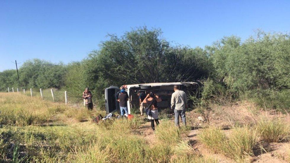 Dan de alta a reporteros heridos por volcadura en Sonora