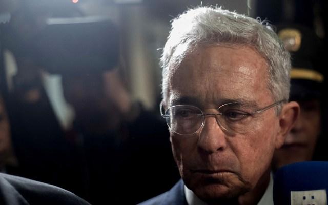 Tras dos meses detenido, el expresidente colombiano Álvaro Uribe queda en libertad - Álvaro Uribe en Corte Suprema de Justicia de Colombia. Foto de EFE