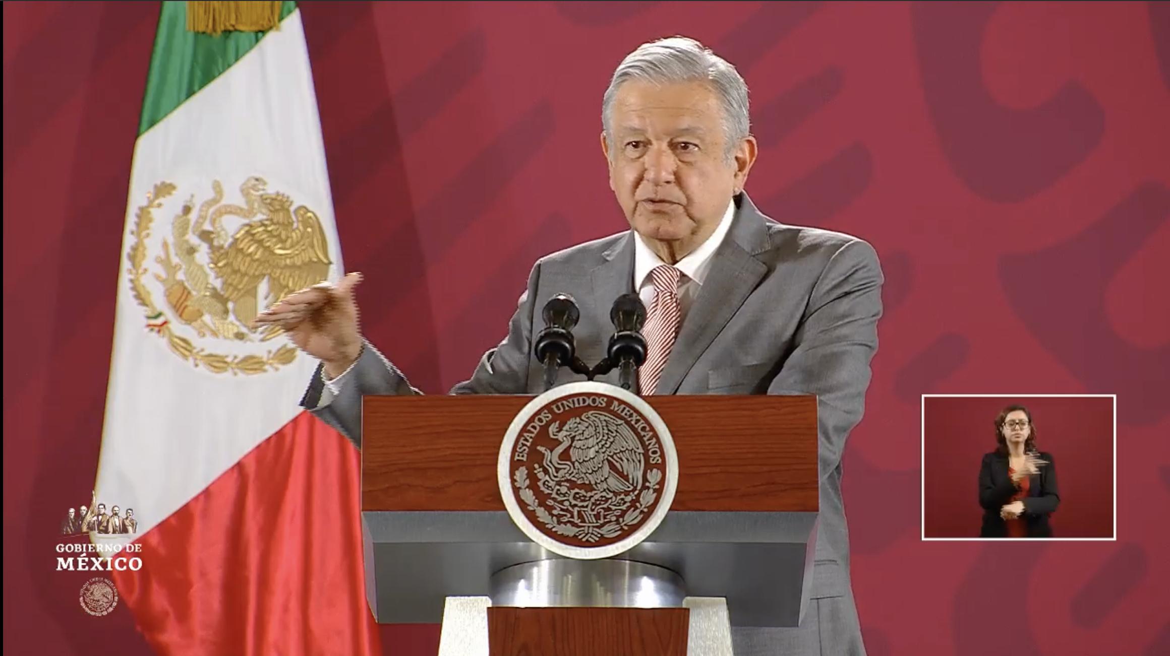 Andrés Manuel López Obrador durante la conferencia matutina de este lunes con el informe de seguridad. Captura de pantalla.