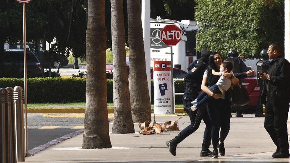 AMLO niega contubernio entre delincuencia y autoridades por caso Culiacán - balacera Culiacán