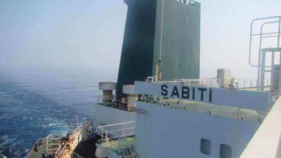 Arabia Saudita asegura que intentó ayudar al barco iraní atacado en el Mar Rojo - Barco iraní atacado con misiles