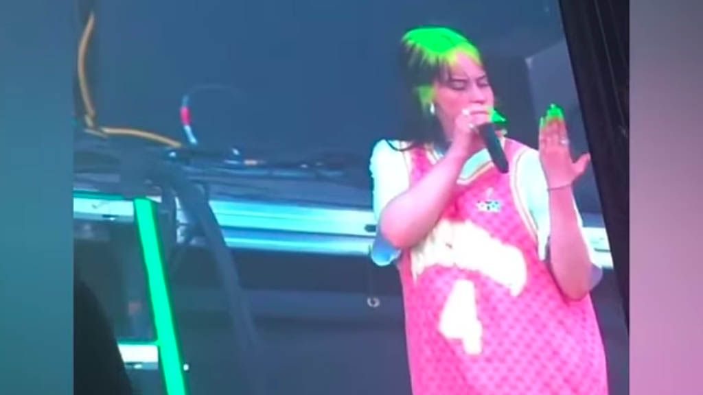 #Video Roban anillo a Billie Eilish durante concierto en Texas - Captura de pantalla