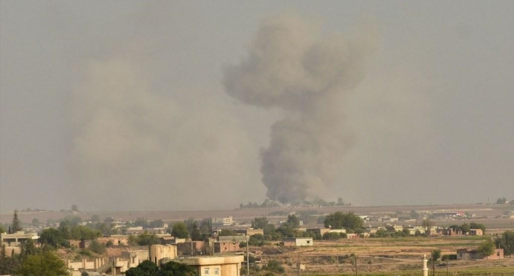 Turquía inicia bombardeos en Siria - Bombardeo turco en Siria. Foto de @cnnturk