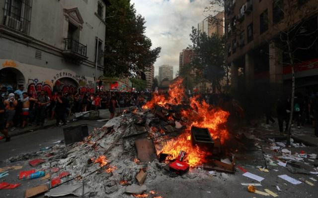Mon Laferte repudia represión en Chile durante homenaje a José José - Foto de Notimex