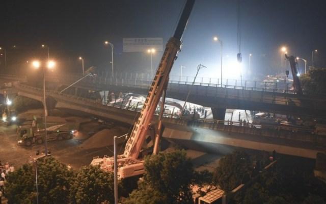 Tres muertos y dos heridos en aparatoso derrumbe de puente en China - Foto de @PDChina