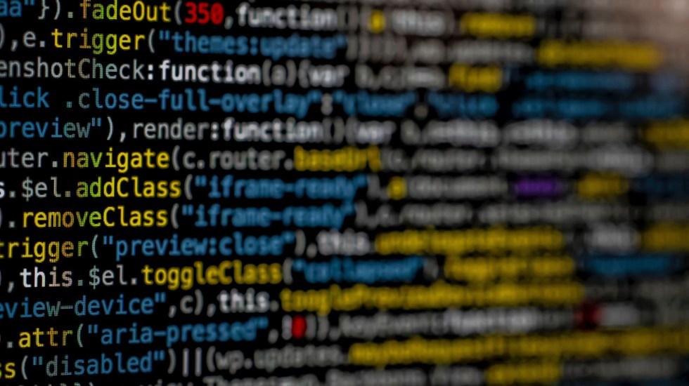 Ganancias del cibercrimen superan a las de narcotráfico - Código fuente. Foto de Markus Spiske / Unsplash