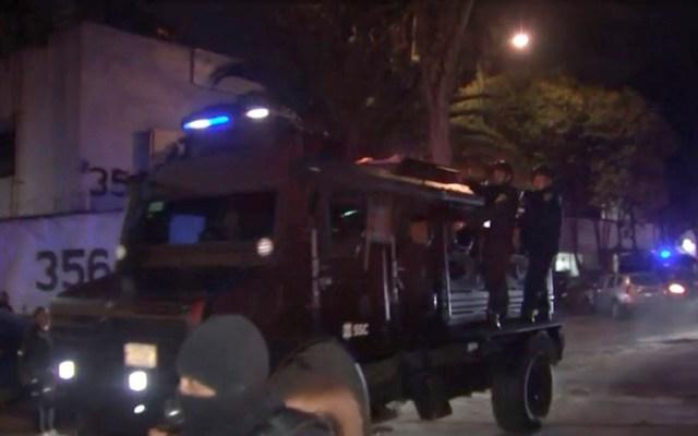 Trasladan a detenidos por operativo en Tepito a subdelegación de FGR - Trasladan a detenidos en Tepito a instalaciones de subdelegación de FGR
