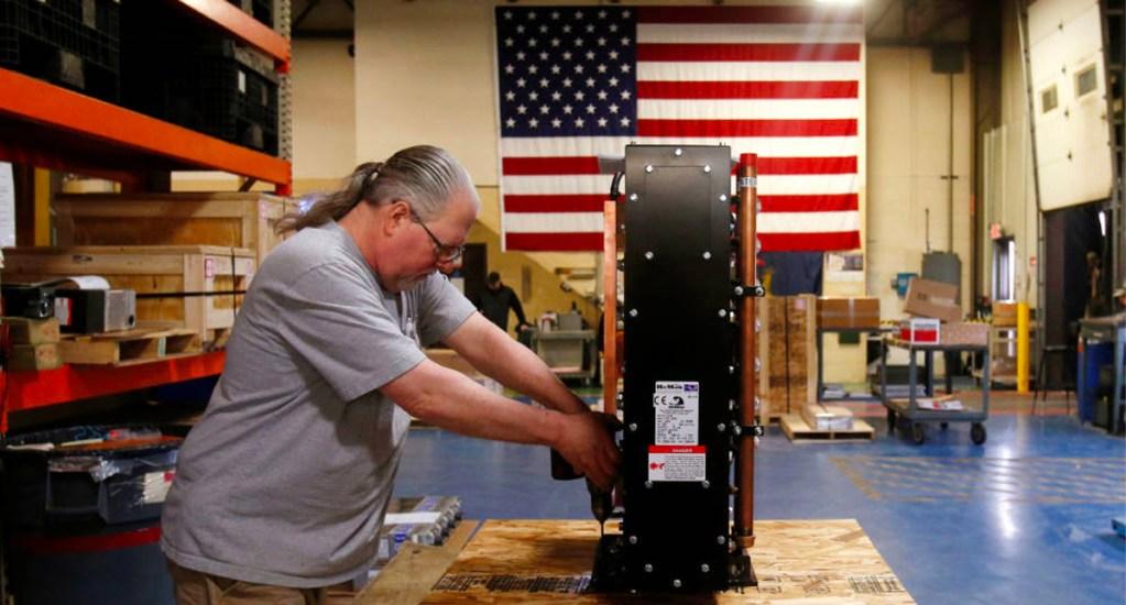 Economía de EE.UU. crece 1.6 por ciento en segundo trimestre - desempleo en EE.UU.