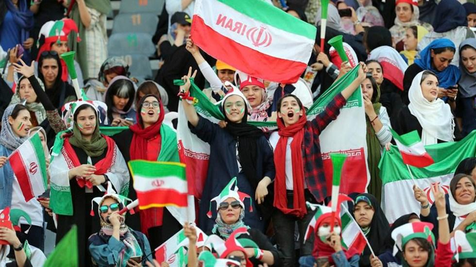 Mujeres iraníes hacen historia al entrar a estadio de futbol - Mujeres iraníes hacen historia al entrar a estadio de futbol